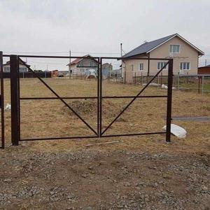 Ворота распашные с калиткой под ключ 3 на 1, 8 метра