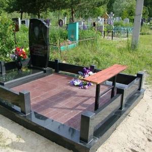 Памятники,  ограды,  благоустройство. Лида и рн